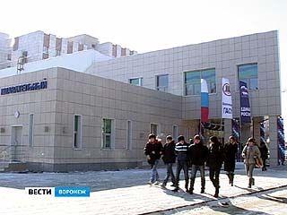 В студенческом городке ВГАСУ открылся бассейн
