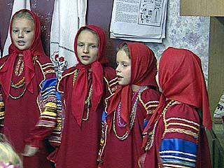 """В студии """"Юность"""" пытаются сохранить старинные русские традиции"""