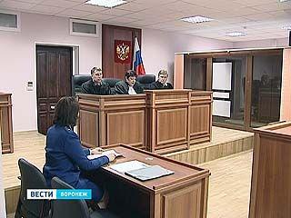 В суде начались слушания по делу бывшего милиционера Олега Петрова
