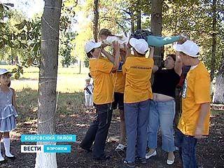 В Центральном парке Боброва соорудили верёвочный городок