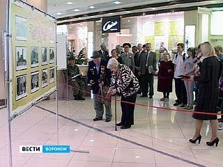 """В центре """"Галереи Чижова"""" открылась фотовыставка, посвященная 66 годовщине Победы"""