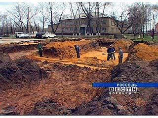 В центре Россоши началось строительство крытого ледового дворца