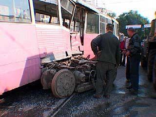 В центре Воронежа автобус въехал в трамвай