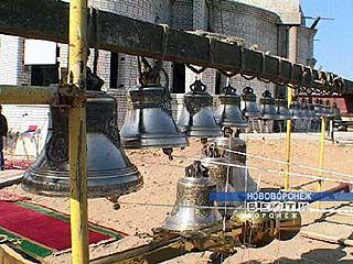 В церкви села Сенявка установили колокола