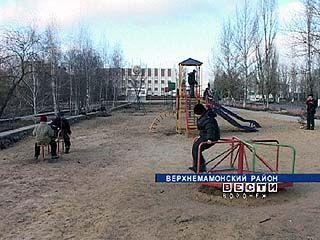 В Верхнем Мамоне продолжаются работы по реконструкции райцентра
