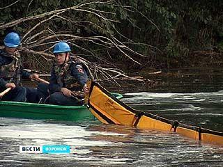 В верховье Воронежского водохранилища произошла утечка ГСМ