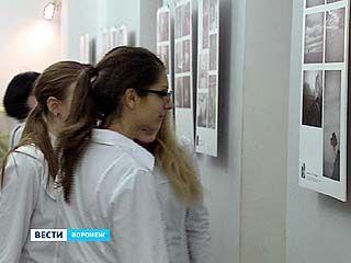 В ВГМА открылась выставка всероссийского конкурса молодых фотохудожников