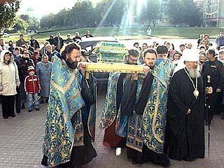 В Воронеж доставили мощи преподобных отцов