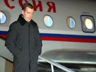 В Воронеж прибыл первый вице-премьер Дмитрий Медведев