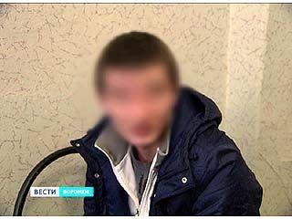 В Воронеже 10 подростков избили двоих сотрудников полиции
