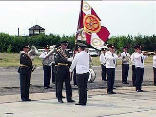 В Воронеже 11-я отдельная военная эскадрилья получила боевое знамя