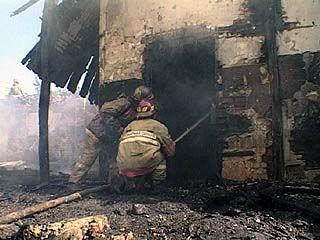 В Воронеже 4 пожарных расчета за полчаса справились с крупным пожаром