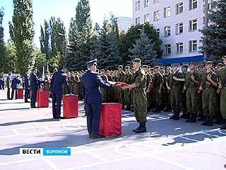 В Воронеже 900 солдат-срочников приняли присягу