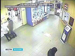 В Воронеже фальшивомонетчики пытались обмануть терминалы оплаты