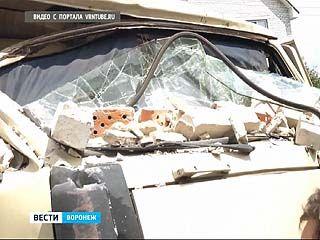 В Воронеже на спуске у МАЗа отказали тормоза