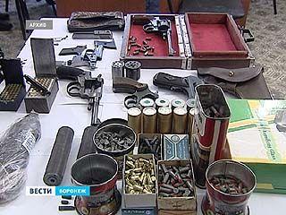 В Воронеже осудили преступную группу, которая 3 года подпольно торговала оружием