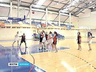 В Воронеже проходит финал первенства России по баскетболу среди девушек