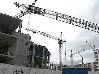 В Воронеже рухнул строительный кран: пострадала женщина