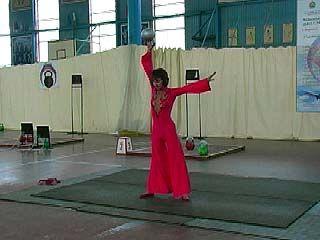 В Воронеже стартовал чемпионат федеральных округов по гиревому спорту