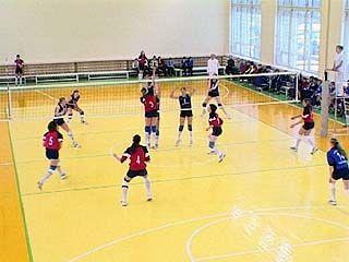 В Воронеже стартовал женский волейбольный турнир