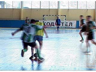В Воронеже стартовали соревнования по минифутболу