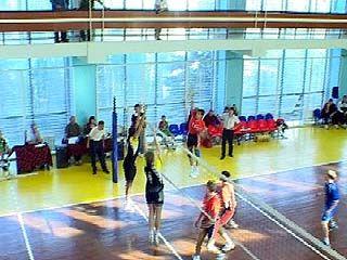 В Воронеже стартовали соревнования по волейболу