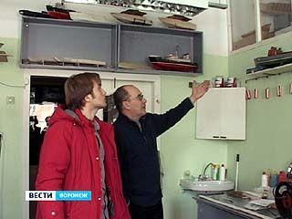 В Воронеже украли 4 самолёта и 3 корабля