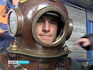 В Воронеже выбирают лучшего спасателя-подводника России