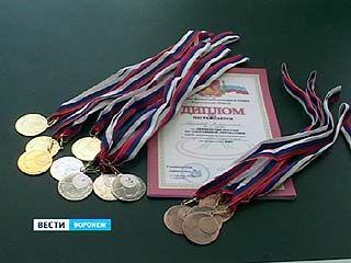 В Воронеже завершилось Первенство России по акробатике