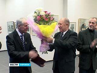 В выставочном зале на Кирова представлена выставка работ Валерия Смирнова