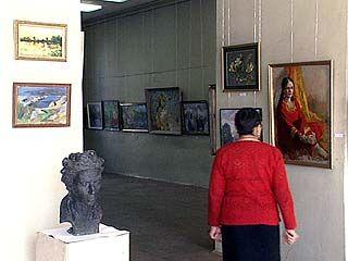 В выставочном зале союза художников открылась экспозиция
