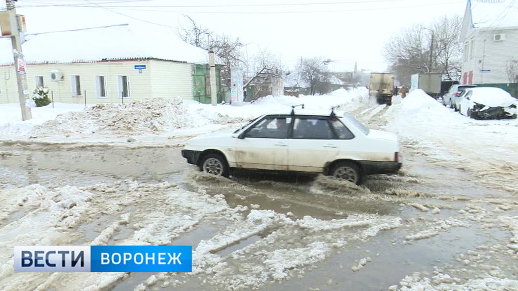 Частный сектор в Ленинском районе Воронежа затопило нечистотами