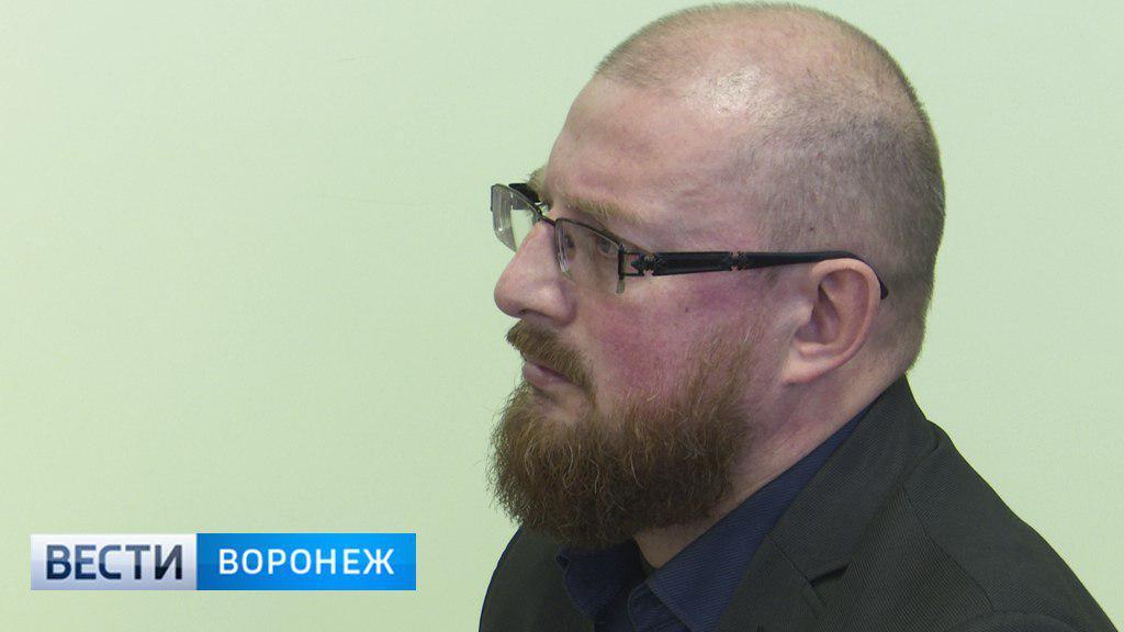 Антон Шевелёв суду Воронежа о совмещении службы с бизнесом: «Архитектору нельзя без проектов»