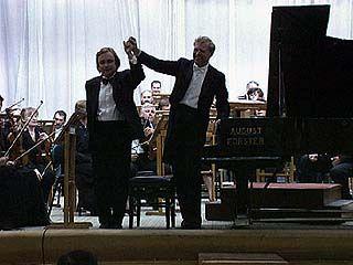 Валерий Кулешов солировал на концерте, посвященном 70-летию Воронежской области
