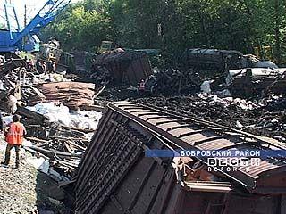 Ведутся восстановительные работы на месте столкновения поездов