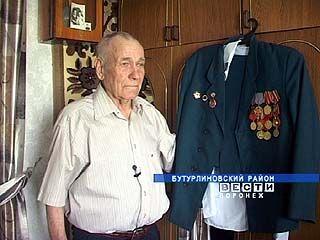 Ветеран Алексей Акиньшин готовится принимать гостей в честь 65-летия Победы