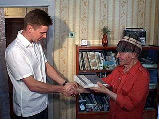 Ветеран Михаил Тюсов встретил День Победы в отремонтированной квартире