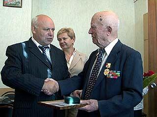 Ветеран Сергей Бураков получил благодарность от Воронежской области