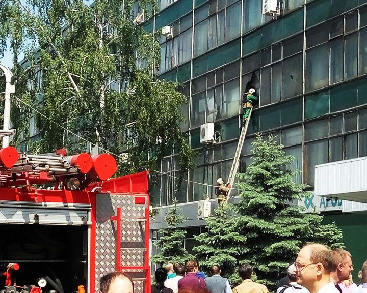ВИДЕО: На одном из крупных воронежских предприятий произошёл пожар