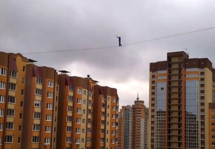 ВИДЕО: Смертельный трюк канатоходца в Воронеже
