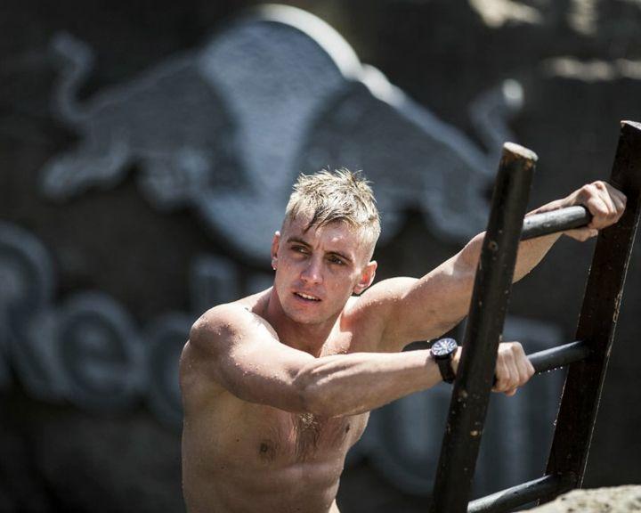 ВИДЕО: Воронежец стал победителем на этапе Мировой серии по клифф-дайвингу