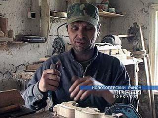 Виктор Завитаев 18 лет занимается столярным искусством
