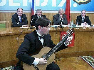 Владимир Кулаков поздравил студентов