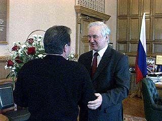 Владимир Кулаков принимает поздравления