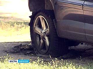 "Во дворе на Ленинском проспекте сгорел ""Nissan Teana"""