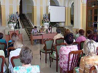 Во Дворце бракосочетаний продолжается конкурс мастерства