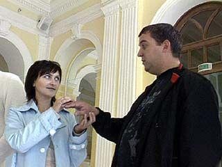 Во Дворце Бракосочетаний репетируют свадьбы