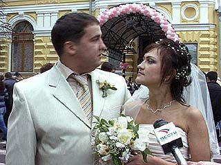 Во Дворце Бракосочетаний влюбленным все двери открыты