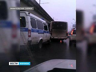 Водитель маршрутки погиб, попав под колеса собственного автобуса