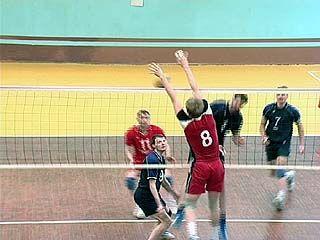 """Волейболисты """"Кристалла"""" одержали две столь необходимые победы"""